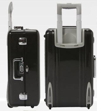 20091216-ゼロハリバートンのカーボンスーツケース.jpg